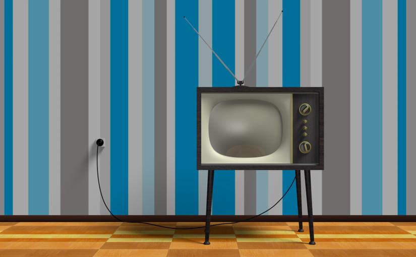 Wieczorny relaks przed tv, czy też niedzielne serialowe popołudnie, umila nam czas wolny oraz pozwala się zrelaksować.